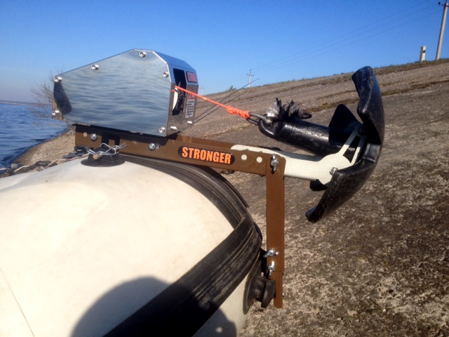 Universal Mount For Inflatable Boat For Anchor Winches